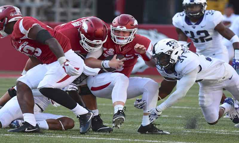 Hogs: QB Kelley's popularity grows; Whaley healthy