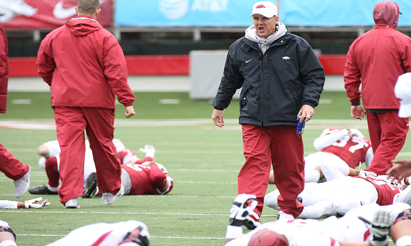 Hogs: Injuries mount on O line; notes