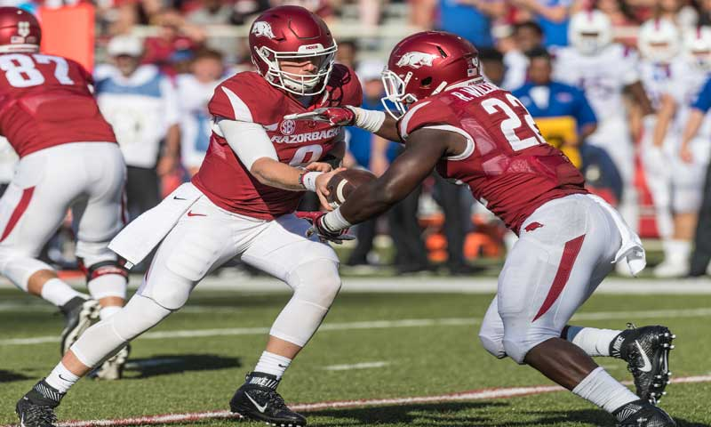 Hogs: O line, running backs roll vs. vanilla D