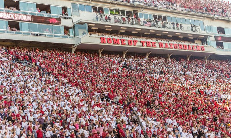 Hogs: Spring game closed to public; Rhoads expects more from secondary