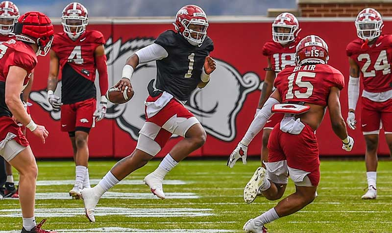 HOGS: QBs struggle; Scrimmage notes