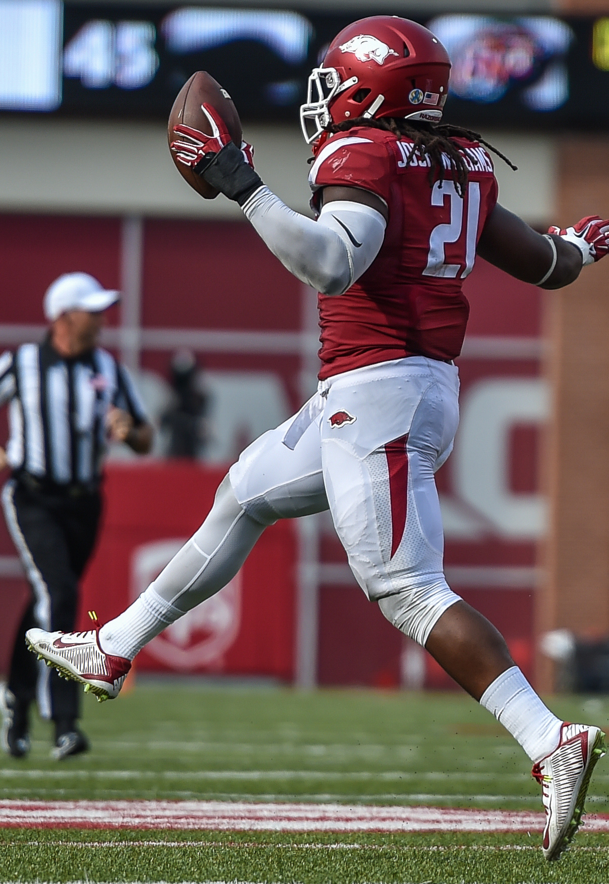 Hogs: LB Josh Williams back from the brink; Beanum out for now